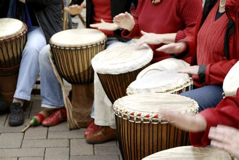 rhythm path drum circle istock 000005095291large circles of rhythm