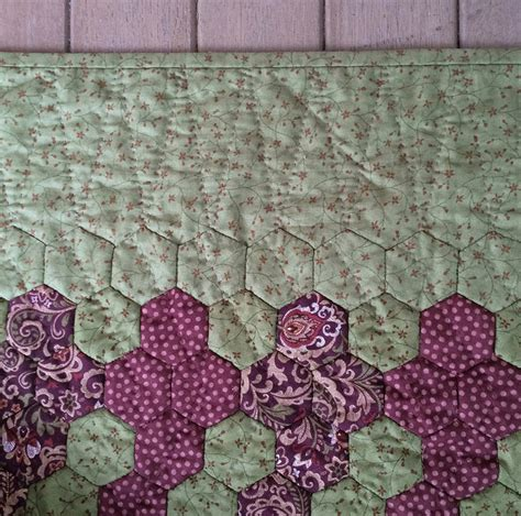 Adding A Border To A Quilt by Adding A Border To A Hexagon Quilt Hexy