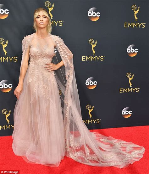 comments made by rancic on red carpet about black persons braids emmys red carpet graced by stunning giuliana rancic