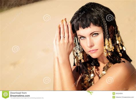 imagenes reinas egipcias reina egipcia foto de archivo imagen de traje joven