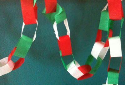 como se hacen las cadenas con papel crepe como hacer cadenas de papel para tu fiesta mexicana