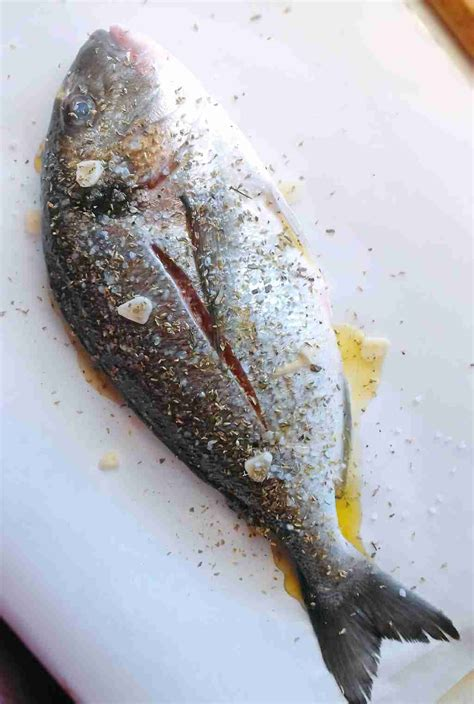 How To Fold Fish In Parchment Paper - oven baked sea bream recipe tsipoura real