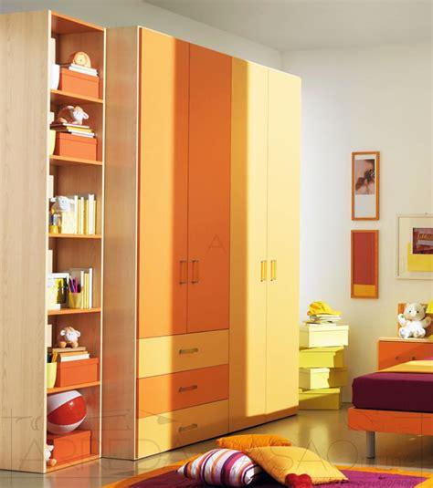 armadi camerette bambini cameretta bambini armadio 4 ante giallo arancione lucia