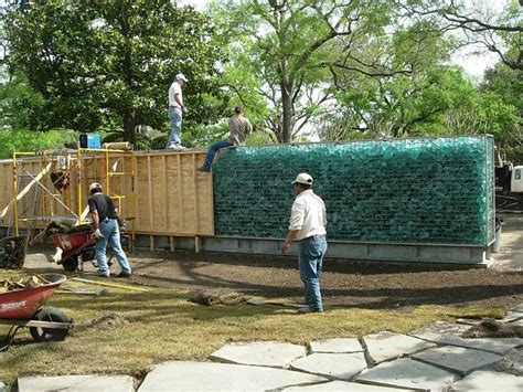 House In The Garden Dallas Texas By Cunningham Architects Garden Wall Construction