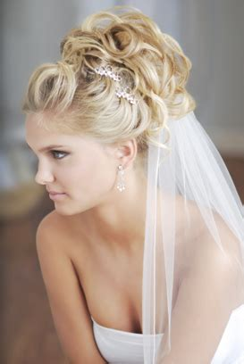 Wedding Hairstyles Curly With Veil by Bridal Hair Make Up The Pros Of Hiring A Professional