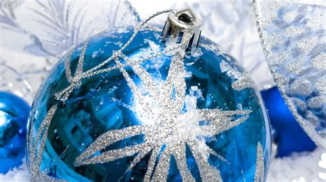 blue and silver ornaments christmas