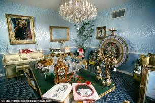 Southern Home Floor Plans by Liberace S Las Vegas Mansion Sold To British Businessman