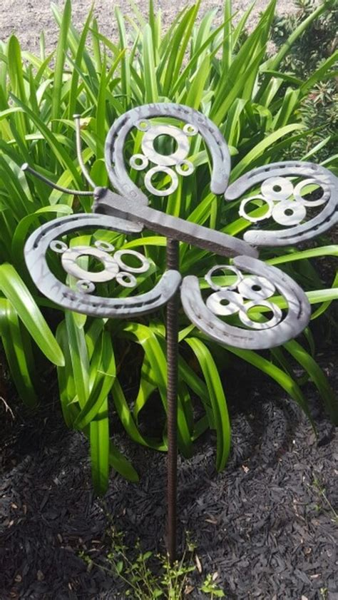 Using Old Doors In The Garden 10 Things You Can Make With Horseshoes Diy Projects For