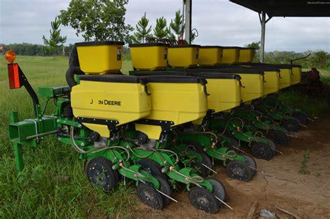 Deere 1700 Planter by Tweet