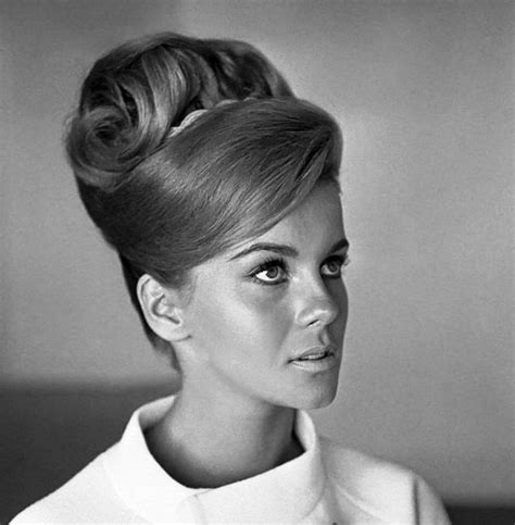 womens pubic hair 1960s 668 best images about hair on pinterest 60s hair dolly