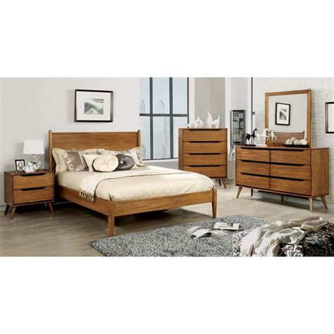 farrah bedroom furniture of america farrah queen panel bed in oak idf