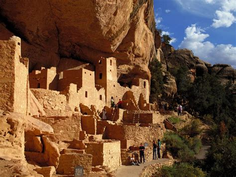 the cliff dwellers of the mesa verde southwestern colorado their pottery and implements classic reprint books the cliff dwellings of mesa verde in colorado