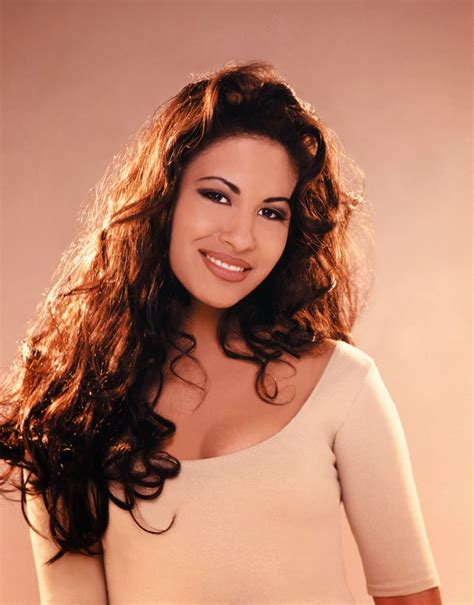 biography of spanish singers late singer selena quintanilla is getting her own mac