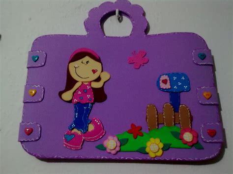 diy maleta portafolio en foami pin de oniria love x diy en idea para cartelera
