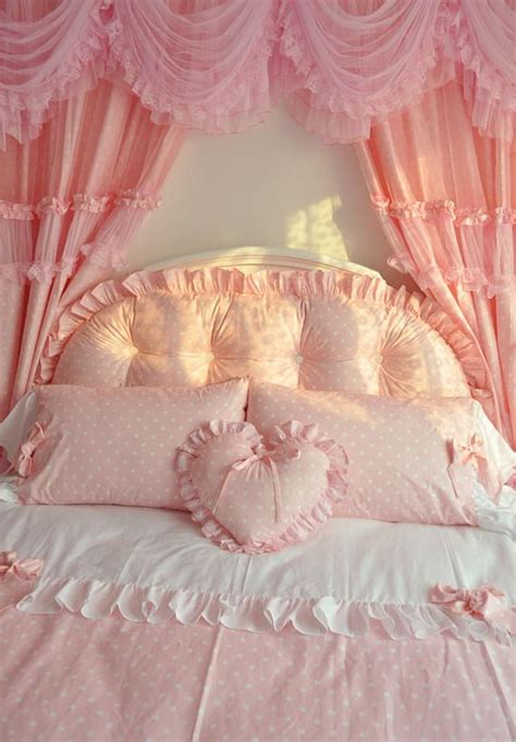 44 best images about girly bedrooms on pinterest red 1000 images about the princess sleeps here on pinterest