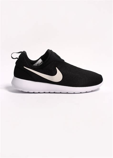 Nike Tennis Classic Slip On Blackwhite Original Made In Indonesia nike rosherun slip on black white
