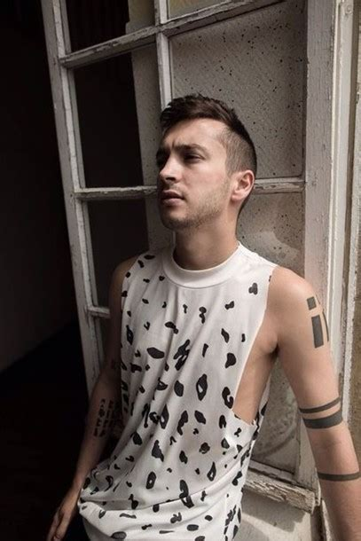 Tylor Top t shirt dalmation joseph top singer