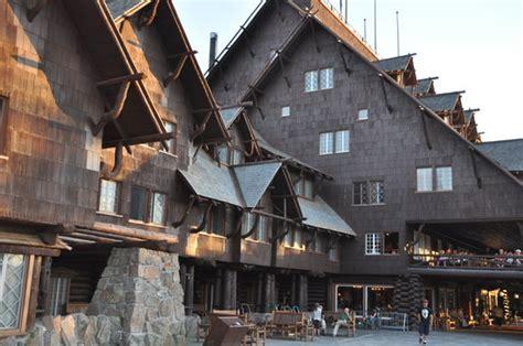reservations faithful inn faithful inn restaurant yellowstone national park