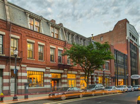 Photo Newbury On Boston by Boston Realty Advisors Brokers Back Bay Sale On Newbury