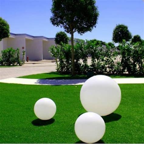 sphere lumineuse jardin d 233 co jardin boule lumineuse solaire