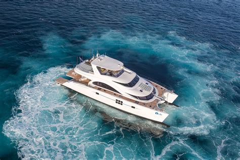 catamaran luxury yacht blue belly sunreef yachts new luxury catamaran