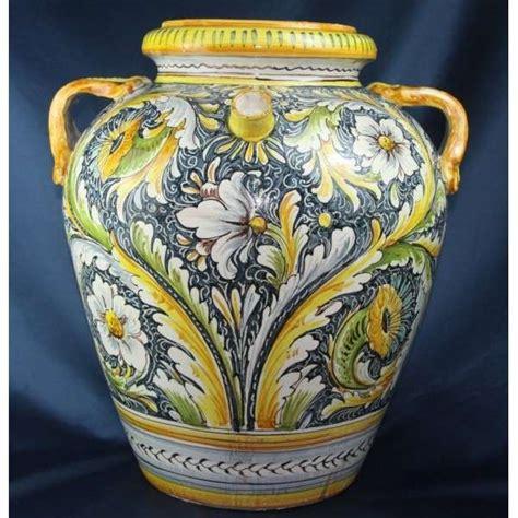 vasi vietresi ceramiche di vietri foto design mag