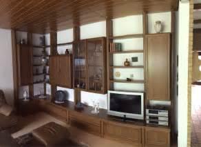 wohnzimmer regalwand moderne deckenverkleidung wohnzimmer