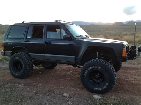 jeep cherokee black with black rims black or flat black rims pics appreciated jeep cherokee