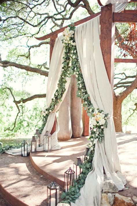 Modern Chinese Altar Designs For Home by Ideas To Decoration With Silver Dollar Eucalyptus Garland