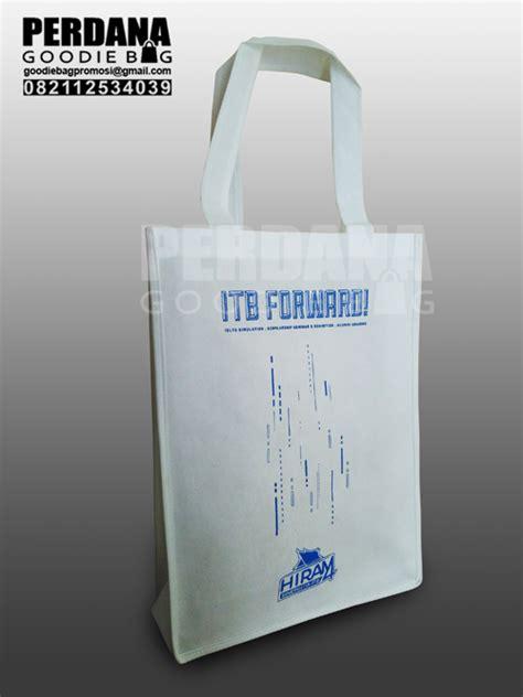 Tas Promosi Goody Bag 2 tas promosi spunbond andhika itb tas kanvas tas blacu perdana goodiebag