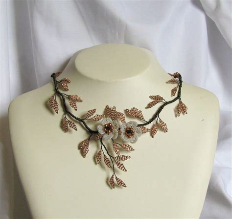 flower design necklace fashion jewellery arts