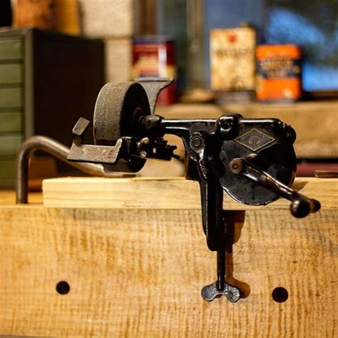 bench mounted grinder pinterest the world s catalog of ideas