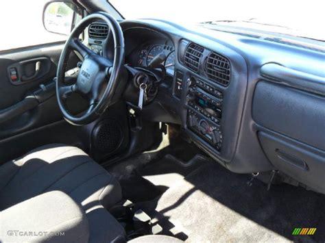 gmc sonoma interior 2003 gmc sonoma sls regular cab interior photo 38637486