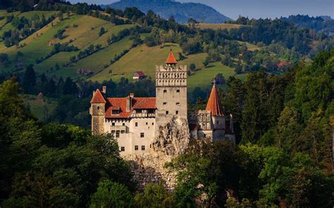 bram castle spend halloween night at dracula s bran castle in transylvani