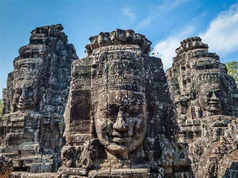 essential siem reap the must carry guide to the city and temples of angkor books cambodia temples of angkor extension connections be
