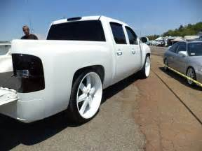 Chrome Wheels On White Truck White On White Silverado On 26 Inch Rims Dreamin