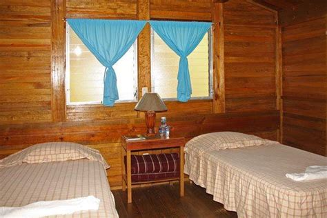 catamaran island hotel marina rio dulce catamaran island hotel photos info rio dulce hotel