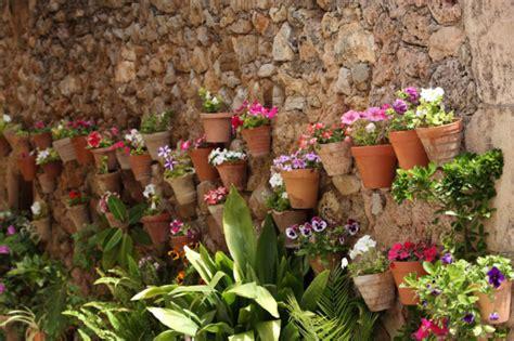 imagenes de jardines verticales caseros c 243 mo instalar un jard 237 n vertical peque 241 o en la terraza