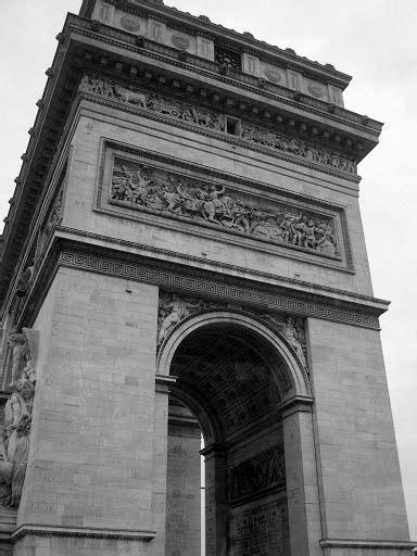 Arco do Triunfo sob outro ângulo.   Arco do triunfo, França
