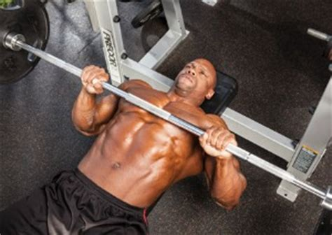 how much can john cena bench press how much can cena bench press what is raw bench press best