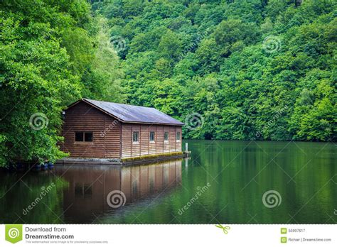 cabin on the lake stock photo image 55997617