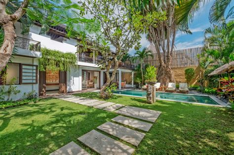 3 bedroom villas 3 bedroom family holiday villa no 16 seminyak villa kubu