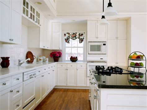 white kitchen cabinets white appliances white kitchen cabinets with white appliances