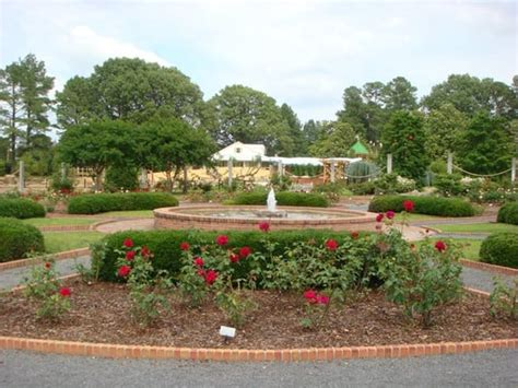 Memphis Botanic Garden Parks Audubon Oak Court Botanic Gardens Tn