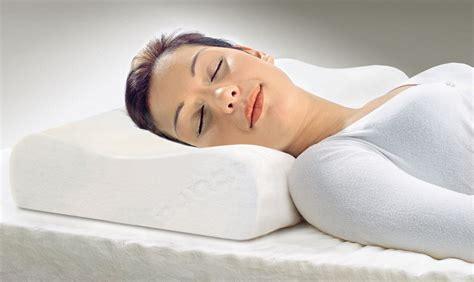 schulterschmerzen nach schlafen visco nackenst 252 tzkissen quot ortho plus quot allnatura