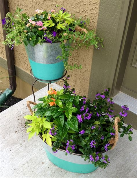 Porch Planters Ideas by Front Porch Planters Porch Ideas