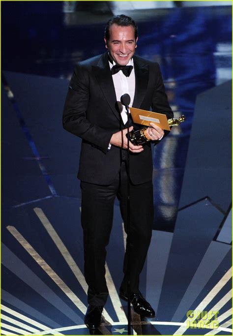 jean dujardin best actor jean dujardin wins oscars best actor photo 2633773