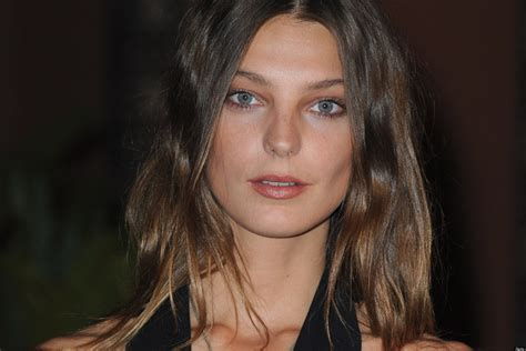 does daria werbowy has long layers in her haircut werbowy hair 2013 because daria can do no wrong byrdie