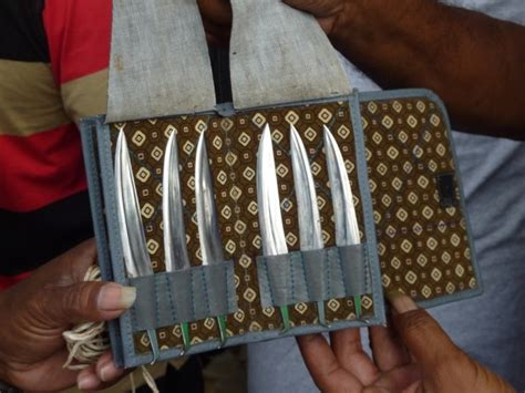 Pisau Taji sabung taji toraja adat tradisi bangsa indonesia