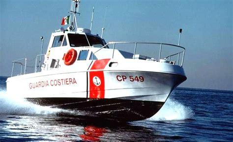capitaneria di porto castellammare di stabia castellammare defibrillatori sulle motovedette della